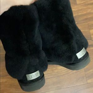 Ugg fluff boots size 10